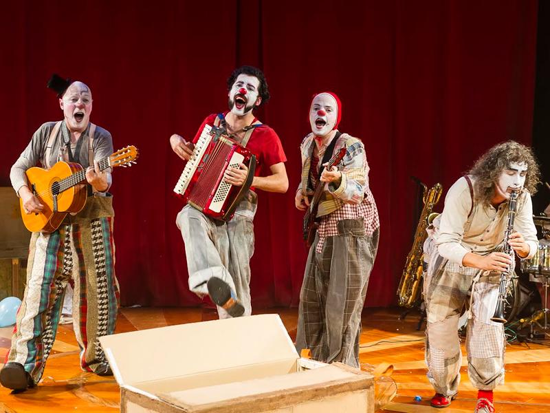 Música, dansa i pallassos a la temporada de Tardor del Convent de les Arts