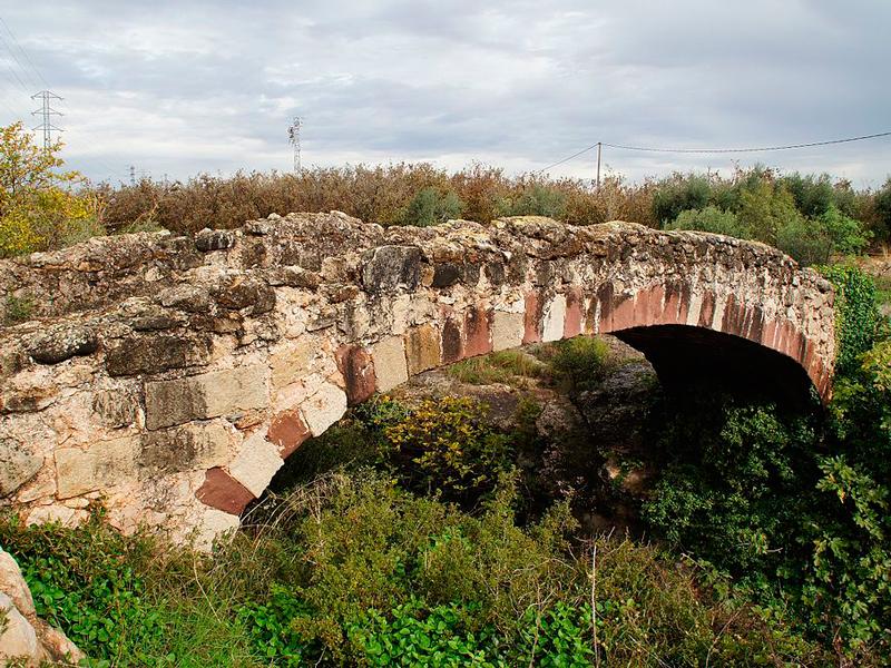 https://www.alcover.cat/images/stories/destacades/equipaments/Pont_dels_Moros_Alcover.jpg